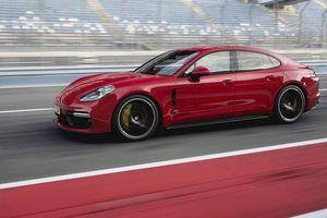 Hãng Porsche triệu hồi hơn 33.000 xe do nguy cơ gây cháy