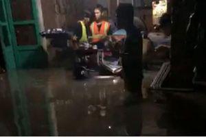Nóng trên mạng xã hội: Căng thẳng giải cứu người giữa dòng nước dữ lúc nửa đêm