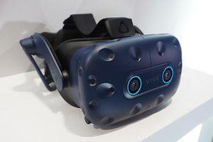 HTC Vive Pro Eye được bán với giá 1.599 USD