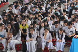 Làm lộ đề thi văn lớp 12, Phó phòng Sở GD-ĐT Bình Thuận bị cách chức