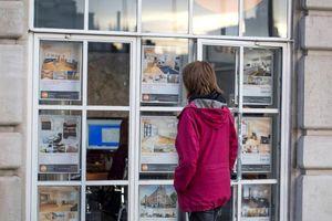 Giá nhà tăng cản trở người trẻ tìm việc có thu nhập cao