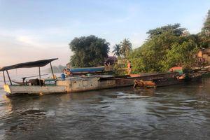 Nhóm 'cát tặc' trên sông Đồng Nai tấn công CSGT đường thủy khi bị kiểm tra