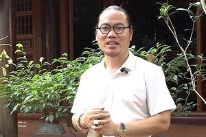 Vượng Râu vui thú điền viên trong biệt phủ rộng 1.000 m2 ở Hà Nội