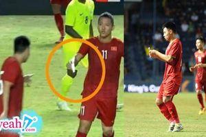 'Quàng tử' Đức Huy ghi bàn thắng quyết định cho đội tuyển Việt Nam là nhờ chiến thuật được ghi trong mảnh giấy này?