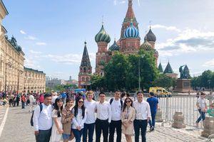 5 đại diện Việt Nam tham dự Liên hoan quốc tế lần thứ III tại LB Nga