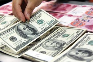 Đồng USD lao dốc không phanh