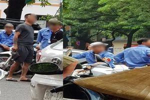 Nhóm người lạ mặt đuổi nhân viên bảo vệ, đòi quyền quản lý tòa chung cư ở Hà Nội