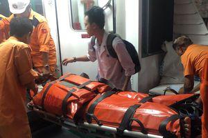 Tức tốc đưa ngư dân nguy kịch ngoài khơi vào đất liền điều trị