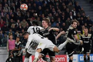 Frenkie de Jong quyết bắt chết Ronaldo