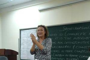 Phương pháp mới tiếp cận ngoại ngữ: Tiếng Anh kết nối, phát triển cộng đồng