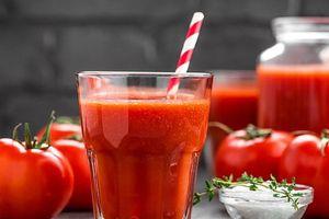 Uống nước ép cà chua mỗi ngày giúp giảm huyết áp và cholesterol