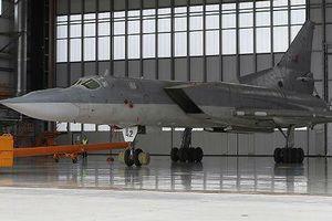 Chuyên gia Nga nói về sức mạnh máy bay ném bom đe dọa cả đội tàu sân bay