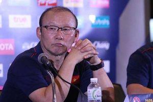 Vì sao HLV Park Hang-seo bỏ họp báo sau trận thua Curacao?