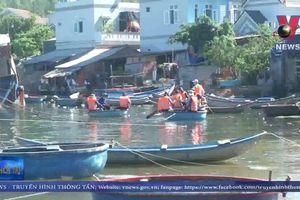 Hơn 2.000 người nhặt rác, dọn sạch bãi biển ở Quảng Ngãi