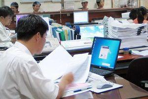 Bộ Nội vụ hứa khắc phục tình trạng 'công chức suốt đời' khi sửa luật