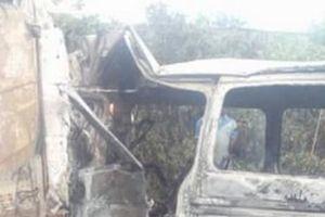 Xe tải đâm trực diện xe khách, 18 người thiệt mạng
