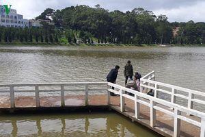Phát hiện xác chết nam giới dưới hồ Xuân Hương Đà Lạt