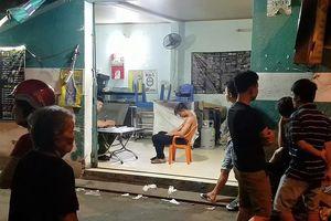 Lao vào quán nhậu ở Bình Tân chém người, 1 nạn nhân nguy kịch