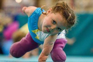 Cô bé không tay, không chân ước mơ thành vận động viên