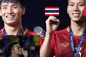 Hình ảnh cười ra nước mắt của tuyển Việt Nam tại King's Cup