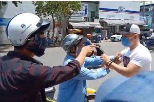 'Thánh livestream' Lê Dương Bảo Lâm bị đánh giữa phố