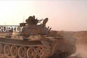 Cận cảnh quân đội Syria phóng ồ ạt tên lửa, tiêu diệt 120 tay súng phiến quân ở Hama