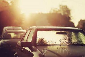 Nắng nóng trên 35 độ C tàn phá xe ô tô của bạn như thế nào?