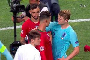 Matthijs de Ligt sốc vì bị Ronaldo dụ dỗ về... Juventus