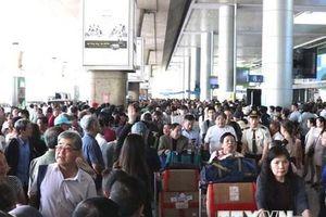 Sân bay Tân Sơn Nhất dừng phát thanh thông tin chuyến bay