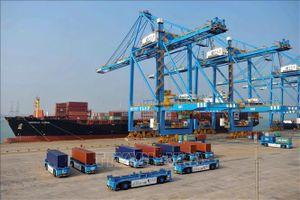 Xuất khẩu của Trung Quốc tiếp tục tăng