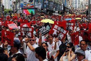 Biển người biểu tình ở Hồng Kông xuống đường phản đối dự luật dẫn độ