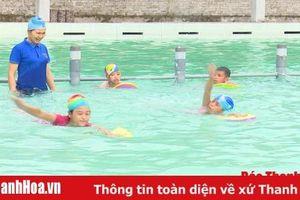Huyện Lang Chánh: Hơn 100 thiếu nhi được học bơi miễn phí trong dịp hè