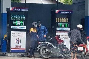 Sau vụ 'đại gia' Trịnh Sướng làm xăng giả: Người tiêu dùng có quyền kiện đòi bồi thường