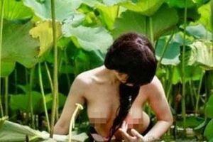 Đua nhau cởi đồ chụp với sen: Hội chứng lạm dụng chụp ảnh khỏa thân?!