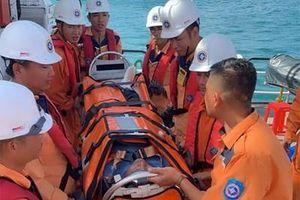 Cấp cứu kịp thời thuyền viên Tàu KH 07714 gặp nạn