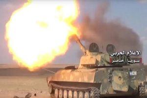 Syria trút 'mưa' tên lửa xuống căn cứ khủng bố HTS tại Latakia