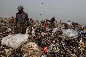 Ấn Độ đau đầu vì núi rác thải nhựa