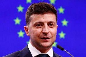 Tân Tổng thống Ukraine lại gây bất ngờ
