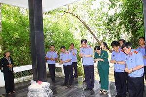Phó Viện trưởng VKSND tối cao dâng hương tại Khu di tích quốc gia đặc biệt Tà Thiết