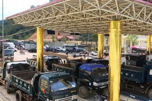 BOT QL6 Hòa Lạc - Hòa Bình bất lực, liên tục xả trạm vì phương tiện gây rối