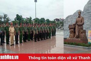 Công an tỉnh Thanh Hóa báo công dâng Bác tại Khu lưu niệm Sáu điều Bác Hồ dạy CAND