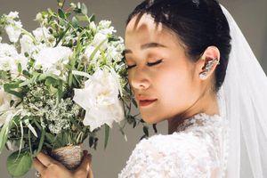 MC Phí Linh kết hôn với đồng nghiệp, hé lộ ảnh cưới đẹp mơ màng