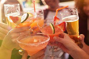 Người trẻ ít uống, các hãng bia Mỹ loay hoay tìm cách thay đổi