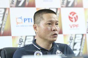 HLV Chu Đình Nghiêm lo lắng cho các trụ cột vì thi đấu quá tải