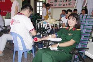 Bệnh viện Quân y 175 tổ chức hiến máu tình nguyện 'Những giọt máu hồng năm 2019'
