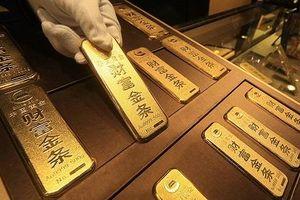 Cuộc chiến thương mại: Trung Quốc đáp trả Mỹ bằng cách mua vào lượng vàng khổng lồ