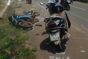 Vụ tai nạn hi hữu '2 tông 1' tại Gia Lai: Dấu hiệu bất thường khi ô tô 'vô can', xe máy bị tù