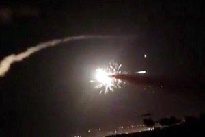 Xem phòng không Syria bắn chặn 'mưa tên lửa' Israel