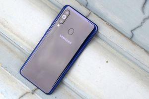 Galaxy M40 ra mắt: màn hình đục lỗ, Snapdragon 675, giá 288 USD