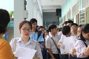 Công bố điểm thi vào lớp 10 ở TP.HCM: 50% thí sinh không đạt nổi 5 điểm môn Toán, Tiếng Anh
